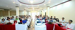 Các cán bộ PLC chăm chú nghe giảng về Đấu thầu