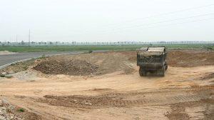 Gói thầu Xây lắp công trình có thời gian thực hiện hợp đồng là 26 tháng. Ảnh: Phú An