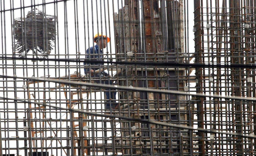 Sau 5 tháng triển khai hợp đồng, qua kiểm tra thực tế cho thấy, nhà thầu mới thi công được khoảng 5% khối lượng công trình. Ảnh: Tường Lâm