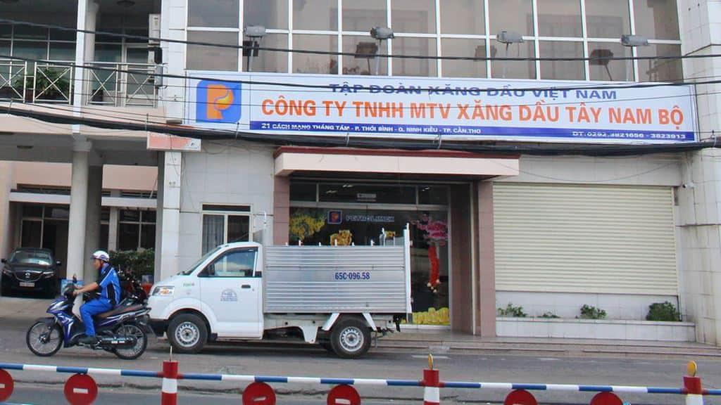 Nhà thầu phản ánh nhiều gói thầu do Công ty TNHH MTV Xăng dầu Tây Nam Bộ làm chủ đầu tư đưa ra điều kiện hạn chế sự tham gia của nhà thầu. Ảnh: Ngô Ngãi